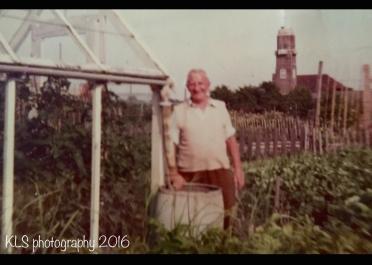 old gardening photo2